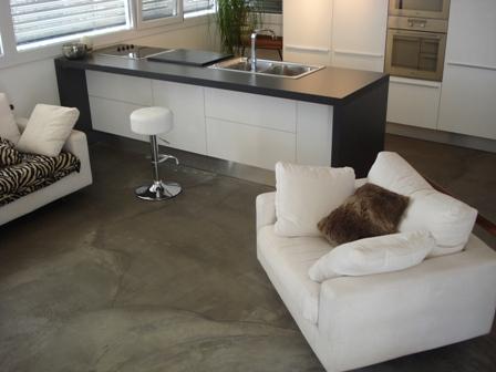 pavimento vero cemento spatolato NO RESINA PLASTICA